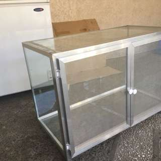 Glass Stante / food stand