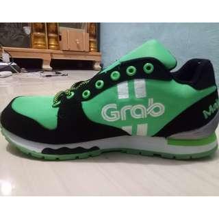 Sepatu Grab