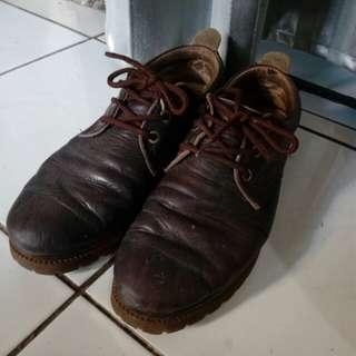 Sepatu kulit boots docmart