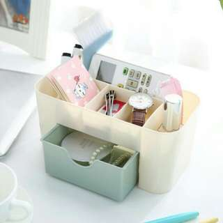 Kotak Kosmetik