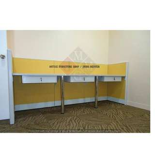 Office Partition -With Center Drawer- Tubular Legs ))