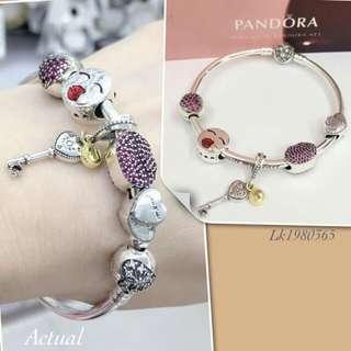 Pandora bracelet with 5 charms