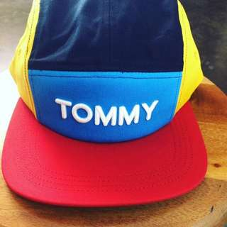 TOMMY RETRO CAP 5 PANEL