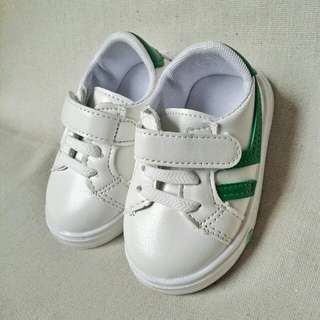 White Baby Shoes -green