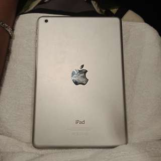 SELLING IPAD MINI