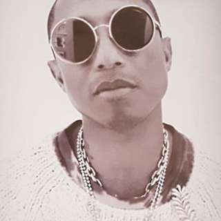 Pharrell Williams Chanel Poster 連布袋