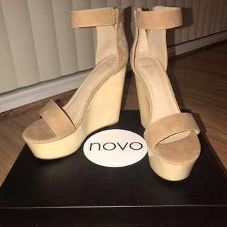 Novo Wedges - Camel // Size 8