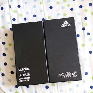 adidas×八達通2010限量版戰衣匙扣