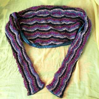 Multi-color chaleco and scarf in 1 (fits XS to Small)
