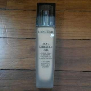 Lancome Mat Miracle 24H liquid foundation (O-01)