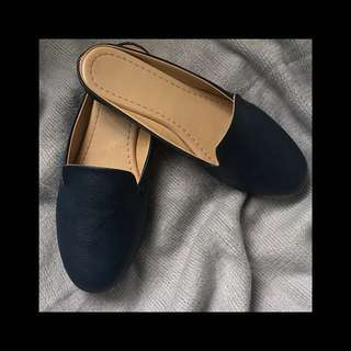 dark blue loafer