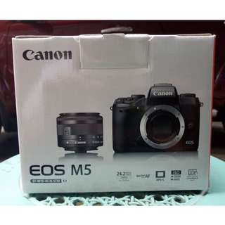 EOS M5 with 15-45mm IS STM kit | Brand New