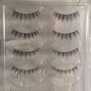 Fake Eyelashes (P65 Japan Lash)