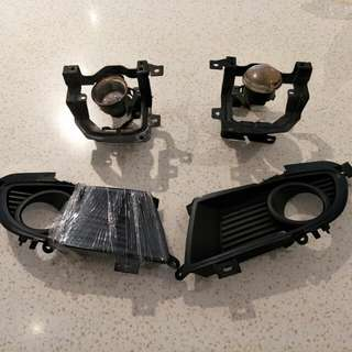 Lancer CS3 Original NEW Fog lamp cover come with used bracket and bulb. (bulb gone case)