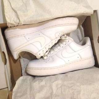 [九成新] Nike Air Force 1 白色板鞋