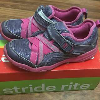 Pre-Loved Made2Play Stride Rite Shoes