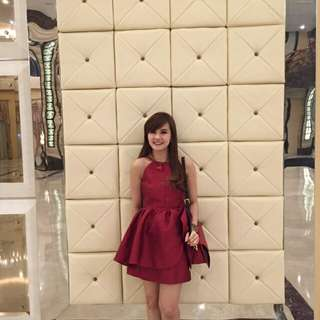 Red dress pesta