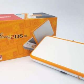 New Nintendo 2DS XL Console orange/white