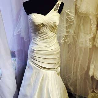 Satin Wedding Gown Toga Trumpet Fit And Flare