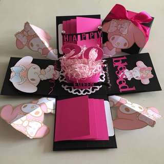 Melody explosion box with cake , 8 waterfall in black & hot pink