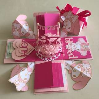 Melody explosion box with cake, 8 waterfall in pink