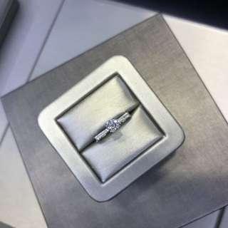 18k白金 diamond ring