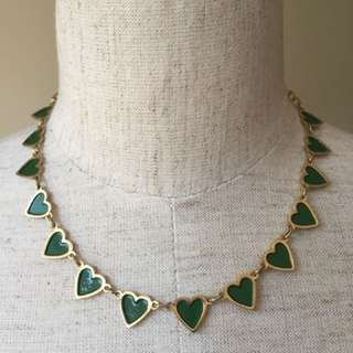 Vintage green hearts gold tone chains necklace