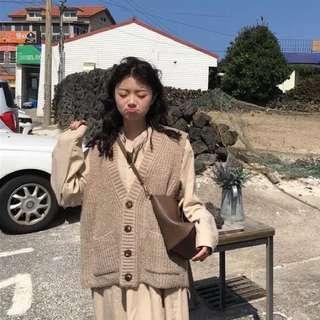 秋裝韓版百搭V領單排扣毛衣馬甲外套女裝寬松無袖針織衫背心上衣