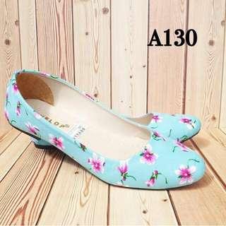 Flatshoes nyaman dan enak Di Pake  size 36-40  BARANG BARU !!  for Order Lgsg Wa Aja : 0856.7889.772  PRICE : 55.000