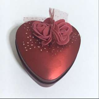 Red heart shaped tin / box with rose