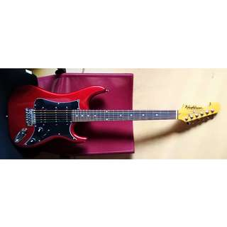 Electric Guitar - Washburn Sonamaster with Tremolo Bar - Black Red