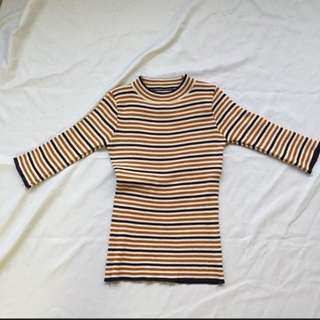 Striped halfed sleeve top