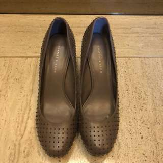 EU 40 Charles & Keith grey studded pumps
