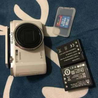 Zr1500 卡西歐 美顏相機 很少使用故出售 機況佳 正常使用痕跡 附wifi記憶卡 兩顆電池