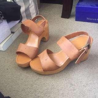 Size 8 heeled sandals