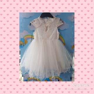 PRETTY WHITE PARTY DRESS