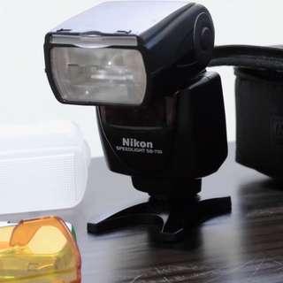 SB-700 Autofocus Speedlite Flash