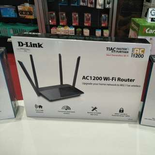 Credit AC1200 Wi-Fi Router