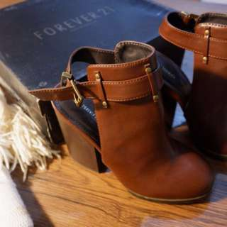Forever 21 Lady shoes (boots)