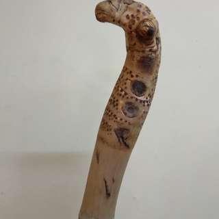 Tongkat buluh tumpat berkepala ular & bertemu ruas