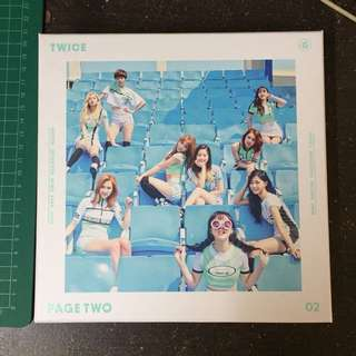 Preloved TWICE albums