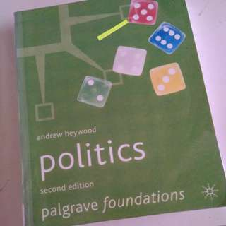 POLITICS by Andrew heywood