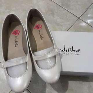 Brand New Wondershoe Ballet Flats