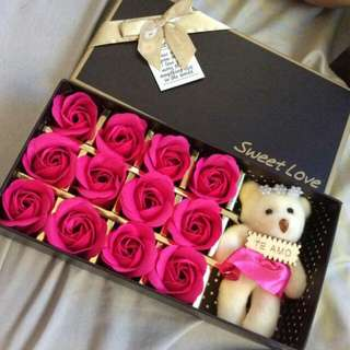 Scented soap rose with bear in a box