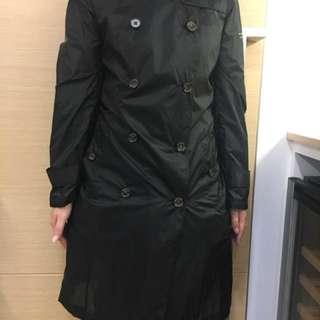 Burberry Super-lightweight trend coat in Black