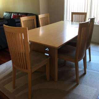7 piece dining table.