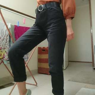 size 6 black mom jeans!