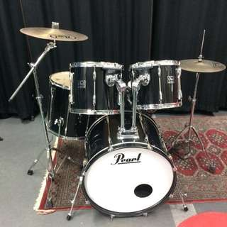90's Pearl Export. Excellent condition