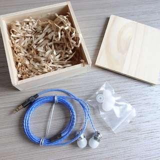 [包郵]全新耳機 連可換耳塞