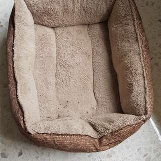 Fluffy comfy dog bed